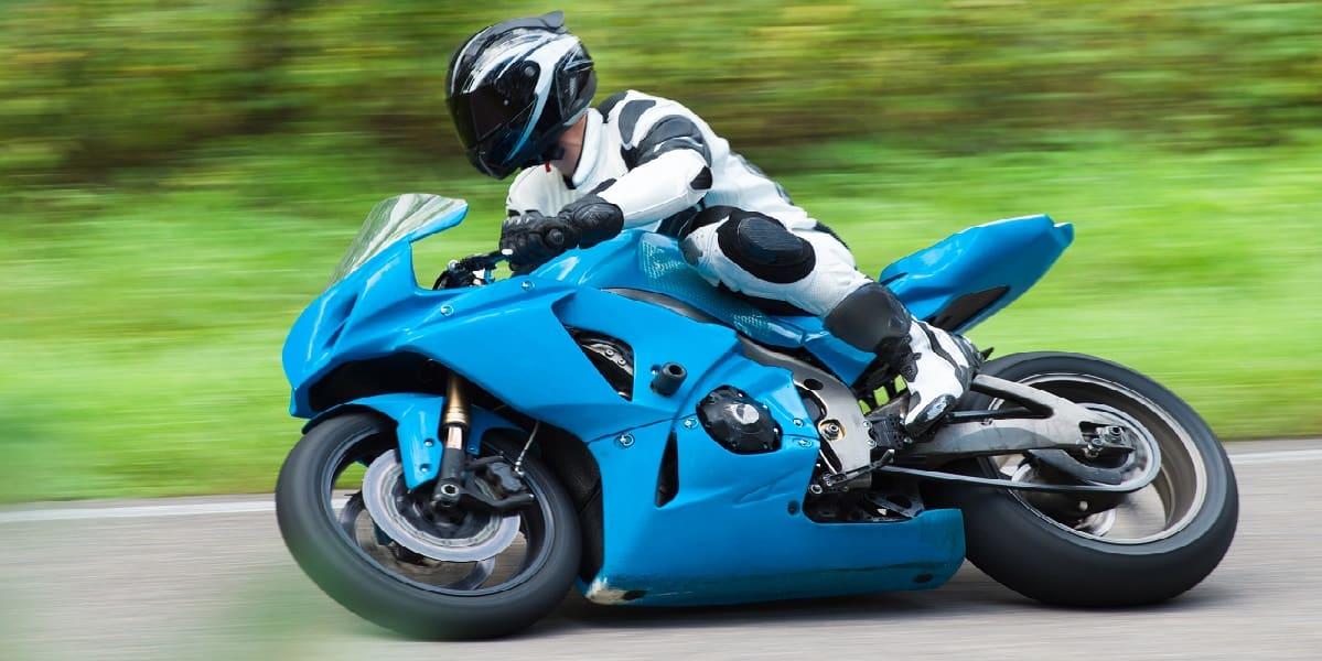 sportsbike cornering hard